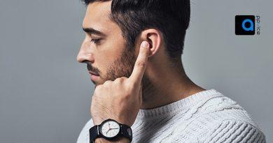 گجت Sgnl سامسونگ، بند ساعت هوشمندی ست که شما را قادر میسازد تنها با قرار دادن انگشتتان بر روی گوشتان، درست مانند فیلم های سینمایی